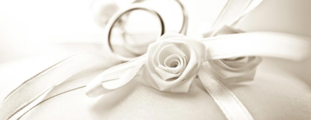 Trauringe mit Weiße Rosen
